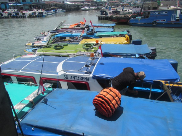 Speedboat Siap Menunggu Para Traveler